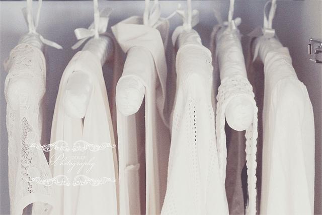 Cách chống áo trắng bị vàng